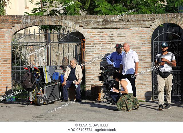 The Italian director Pupi Avati next to his daughter Mariantonia Avati, and to the director of photography Cesare Bastelli on the set of the film Mr Devil