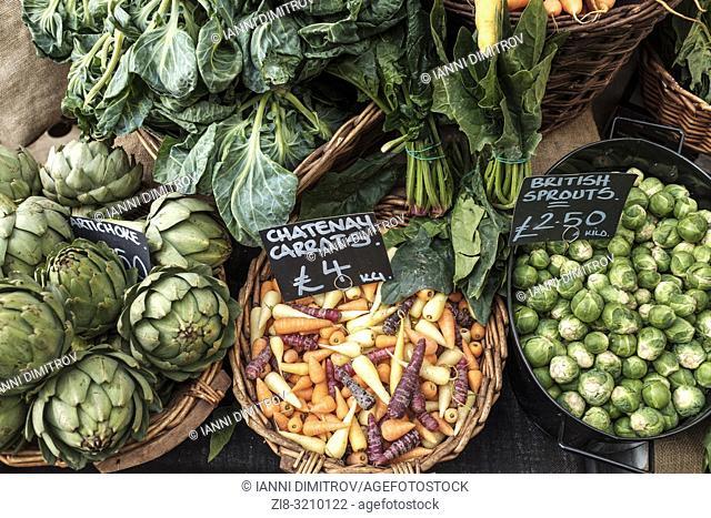 England, London, Borough Market-Organic vegetables on display