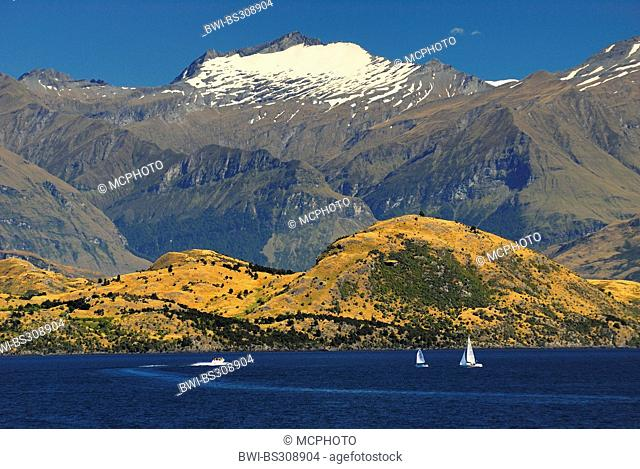 panoramic view over Lake Wanaka with mountains of the Southern Alps looming in the background, New Zealand, Southern Island, Otago