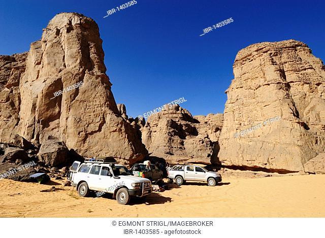 Tourist camp in El Ghessour, Tassili du Hoggar, Wilaya Tamanrasset, Algeria, Sahara, North Africa