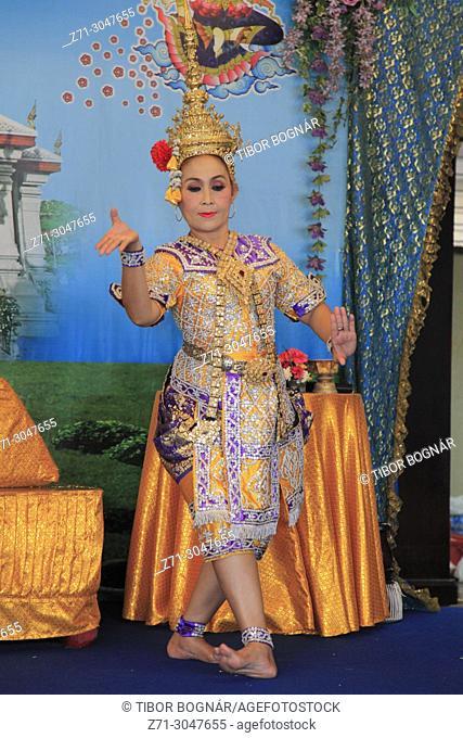 Thailand, Bangkok, Lak Muang, City Pillar Shrine, ritual dancer,