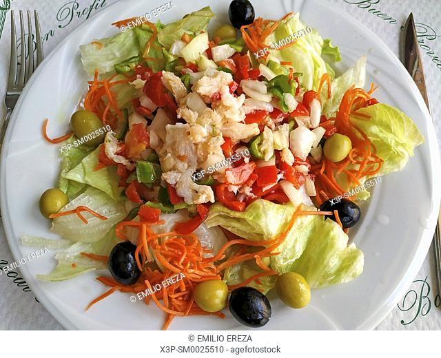 Salad with codfish