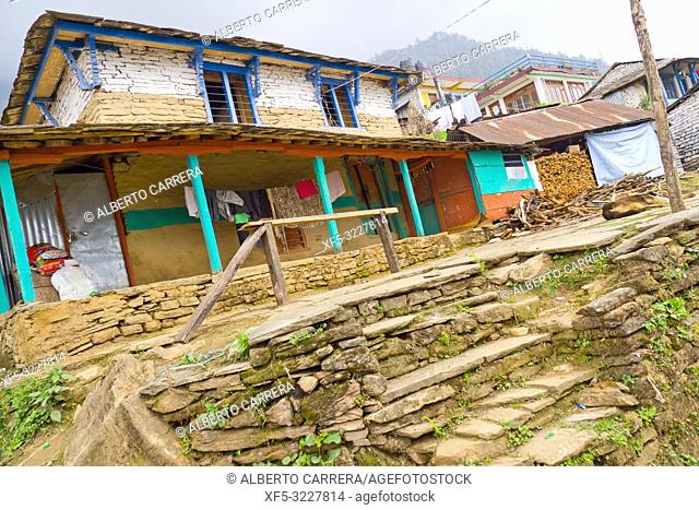 Small Village, Mountain Footpath, Trek to Annapurna Base Camp, Annapurna Conservation Area, Himalaya, Nepal, Asia