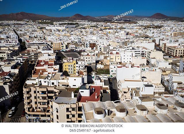 Spain, Canary Islands, Lanzarote, Arecife, elevated city view