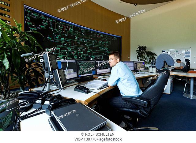 GERMANY, NEUENHAGEN, : Transmission Control Center (TCC) Of East German  Transmission System