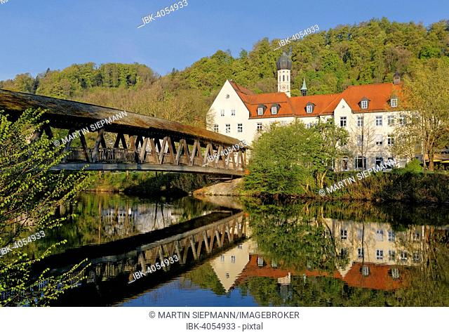 Sebastiani-Steg bridge over the Loisach river with town hall and church of St. Andrew, Wolfratshausen, Upper Bavaria, Bavaria, Germany