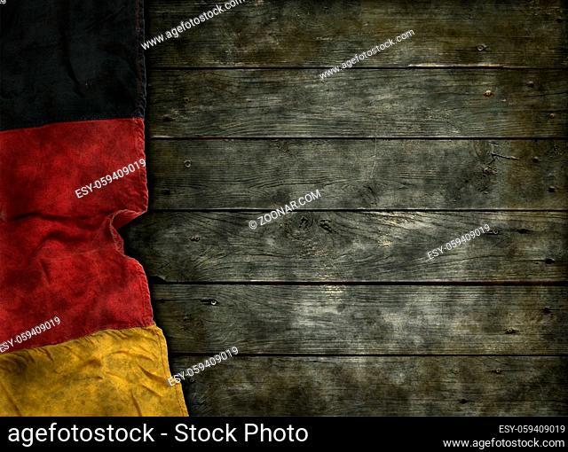 deutsche fahne auf alten holzbrettern