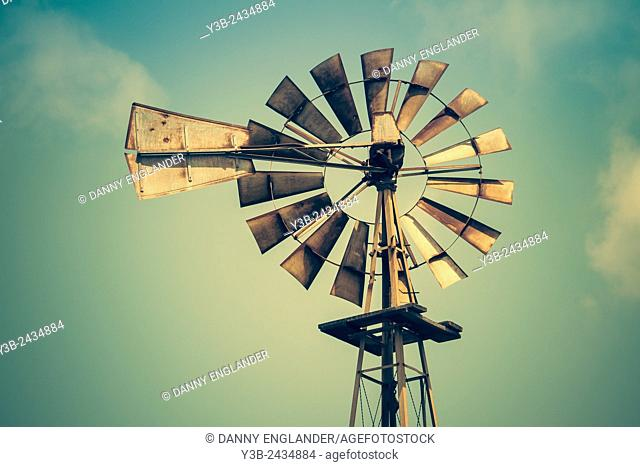 Old West Vintage Style Windmill