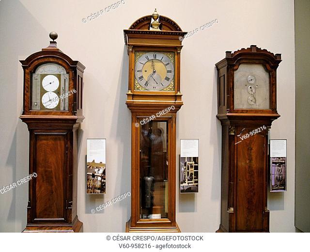 -Clocks-
