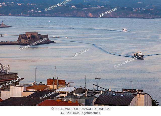 Port, at left Castillo De San Anton, Coruña city, Galicia, Spain