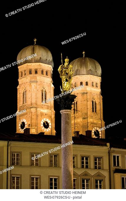 Germany, Bavaria, St Mary's Column and steeples of Church of Our Lady at night