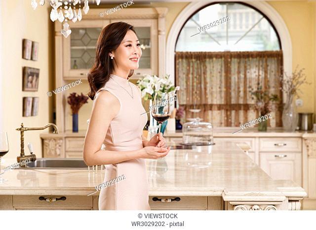 The luxury life of pretty women