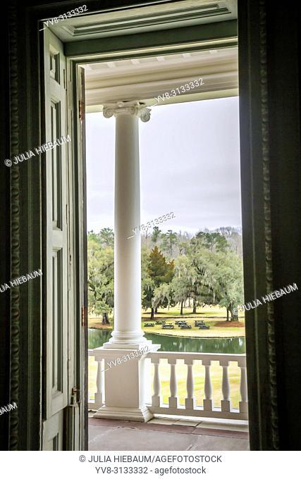 Scenic view from Drayton hall plantation house in Charleston, South Carolina