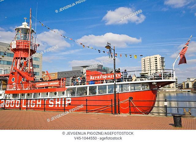 Goleulong 200 The Lightship. Floating Christian Centre. Roath Basin. Cardiff Bay. Cardiff. South Glamorgan. Wales. UK