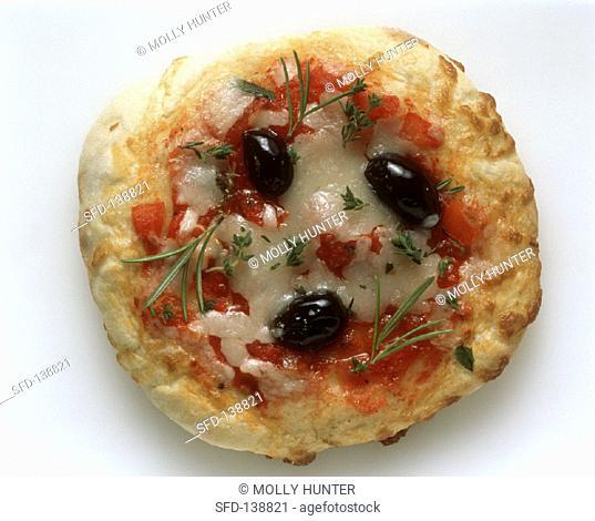 Olive pizza on Boboli
