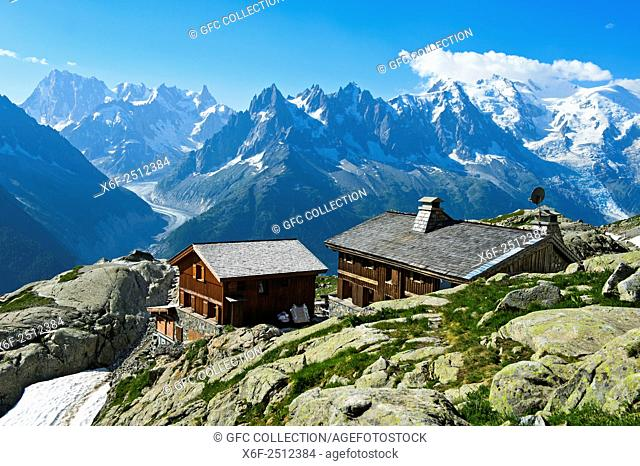 Mountain hut Refuge du Lac Blanc, view towards Mont Blanc massif, Chamonix, Alps savoie, Haute-Savoie department, France