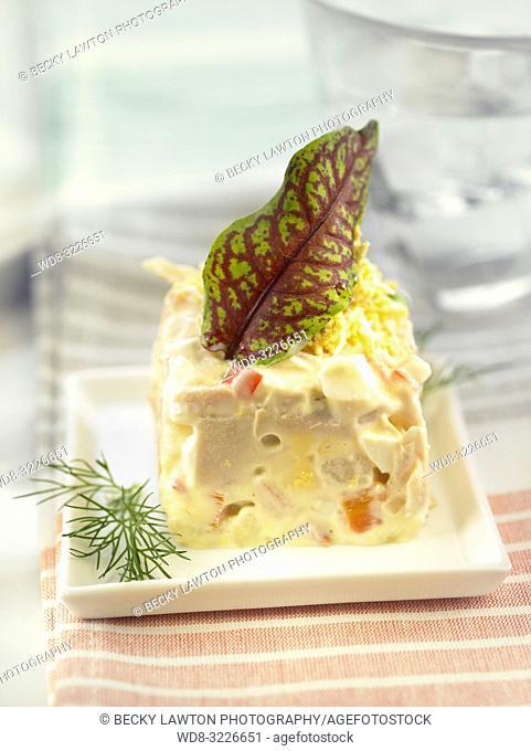 platillo de ensaladilla rusa / Russian salad