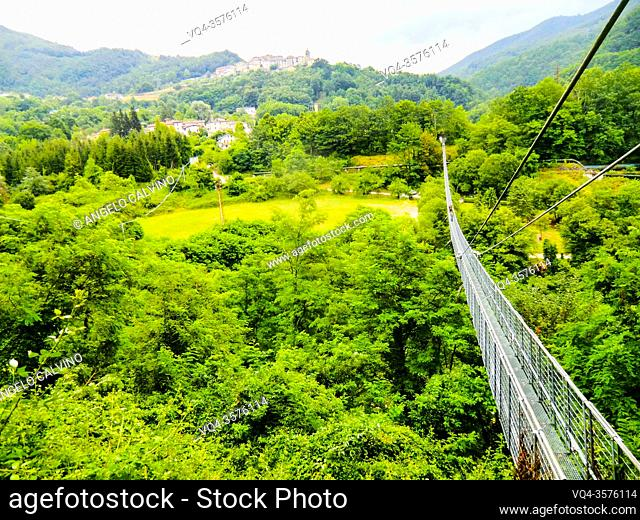 PoPonte Sospeso, made in 1920 by Vincenzo Douglas Scotti (1877 - 1937), 212 meter long, the longest pedestrian suspended bridge in the world