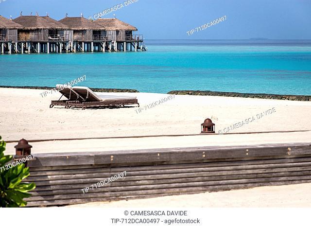 Maldives, Ari Atoll, Constance Moofushi Resort, Beach chairs