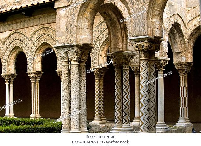 Italy, Sicily, Monreale, cloister of the cathedral, fountain