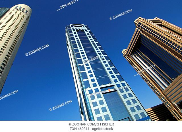 Hochhaustürme, v.ln.r. Park Place Tower, API World Tower, Fairmont Tower, Sheikh Zayed Road, Dubai, Vereinigte Arabische Emirate / f.l.t.r