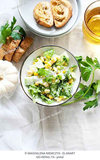 Salad with sweetcorn and croutons