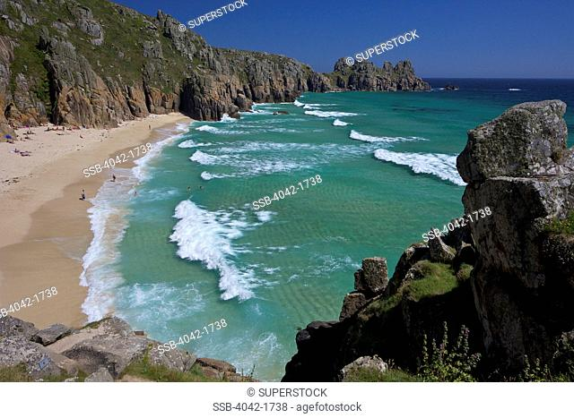 UK, Cornwall, West Penwith, Lands End Peninsula, near Porthcurno, Treen Cliff, Pednvounder beach, Surf and turquoise sea