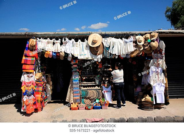 Souvenir stalls in pre-hispanic city of Teotihuacan  Teotihuacan  Mexico