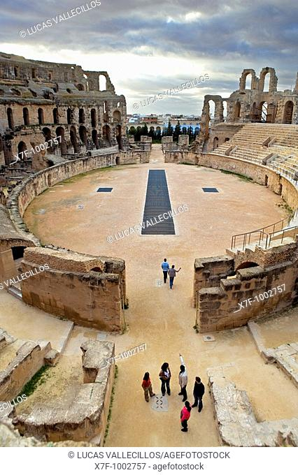 Tunez: El Jem Roman amphitheatre