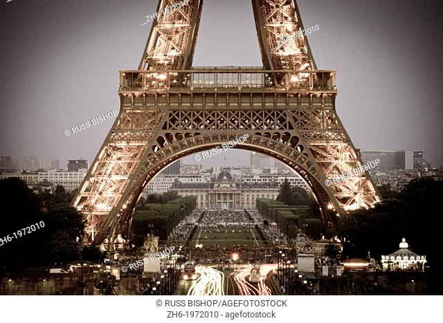 The Eiffle Tower at dusk from Trocadero Square, Paris, France