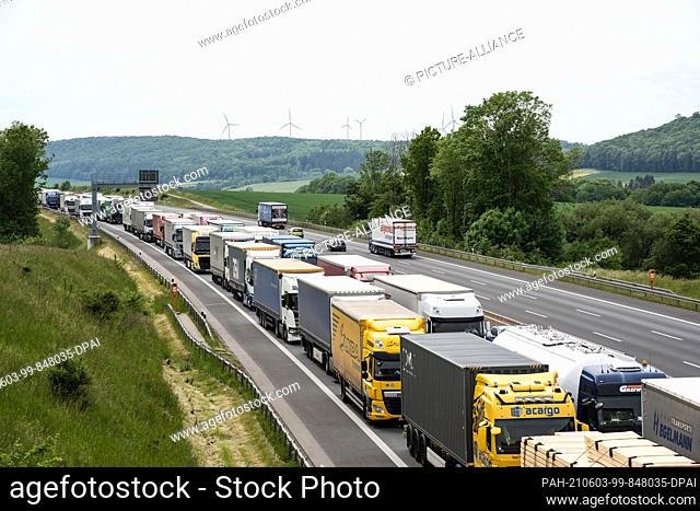 03 June 2021, Lower Saxony, Rhüden: Trucks and cars are jammed between the Rhüden and Bockenem junctions on the northbound A7 motorway