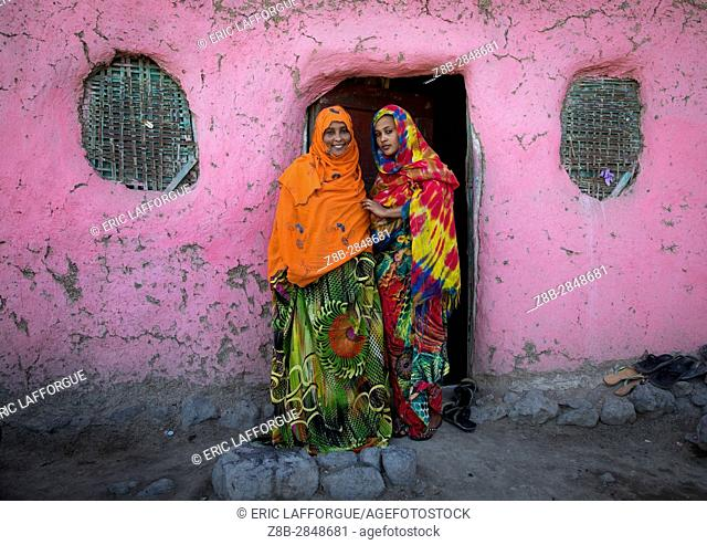 Aminat with her daughter Hannah that she had when she was 14 years old, Afar region, Assaita, Ethiopia