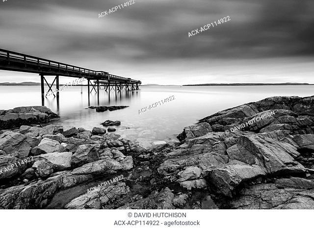 Sidney Pier, Sidney, BC Caqnada