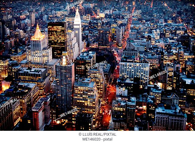 Overview of New York bird's eye view at night from the Empire State Building. America, USA