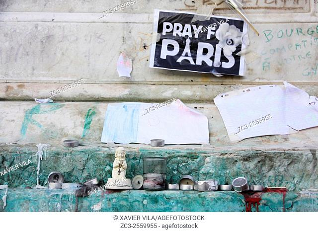 Pray for Paris - Two weeks after the attacks in Paris on 13 November, claimed by Daesh, who made 130 dead and 351 wounded