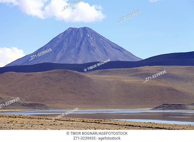 Chile, Antofagasta Region, Chiliques Volcano, Laguna Miscanti,