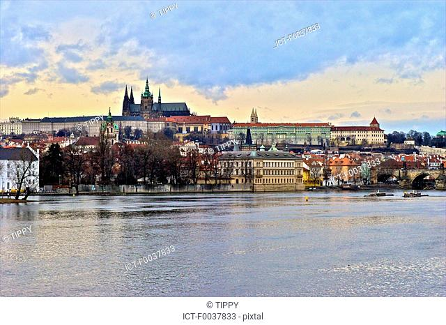 Czech Republic, Prague, Vltava river and Saint Vitus cathedral in the background