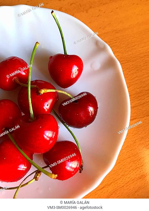 Cherries in a dish