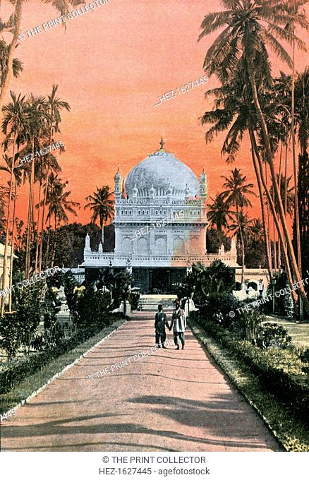 Tomb of Tippu Sultan and Haidar Ali, Mysore, India, 1880-1890. Illustration from Inde Anglaise, Sites et Paysages, (English India, Places and Landscapes