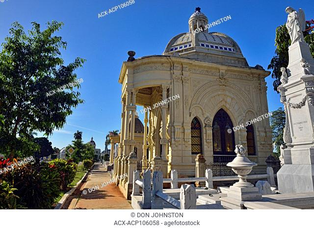 Colon Cemetery (Cementerio de Cristóbal Colón)