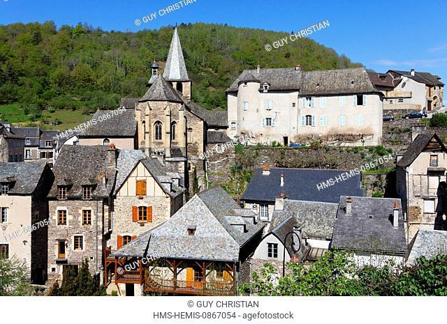 France, Aveyron, Lot Valley, Estaing, labelled Les Plus Beaux Villages de France (The most beautiful villages of France), a stop on el Camino de Santiago