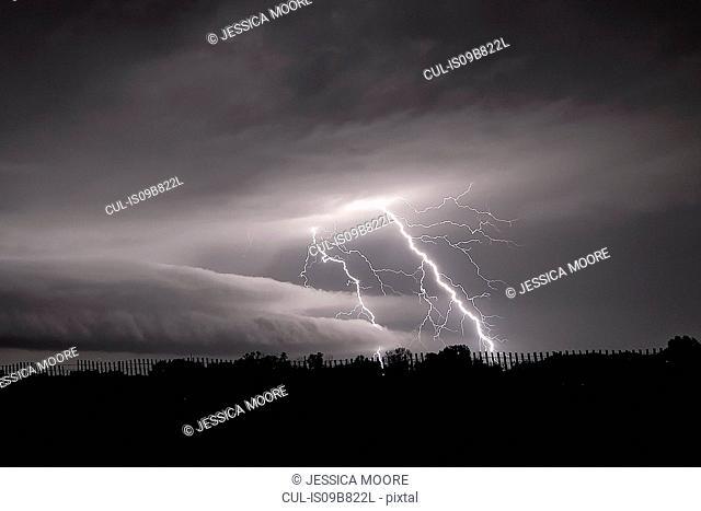 Lightning and a shelf cloud, Belle Plaine, Kansas, USA