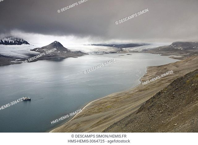 Norway, Svalbard, Spitzberg island, boat in Trygghamna bay