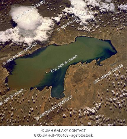 Shallow Lake Poopó, a brackish lake in the Altiplano of southwestern Bolivia, has as its major water supply the Desaguadero River