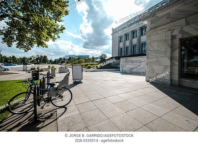 Back entrance to the The Field Museum. Chicago