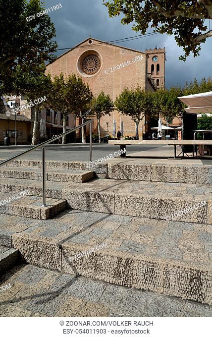 Kirchturm , Pollenca, Mallorca, pollensa, kirche, turm, wolke, wetter, spanien, architektur, kirchplatz, platz, treppe