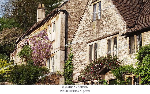 MS TU Stone house exterior / Castle Combe, Cotswolds, Wiltshire, UK