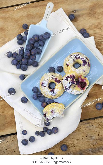 Bavaria meets America – Blueberry Bundt cake