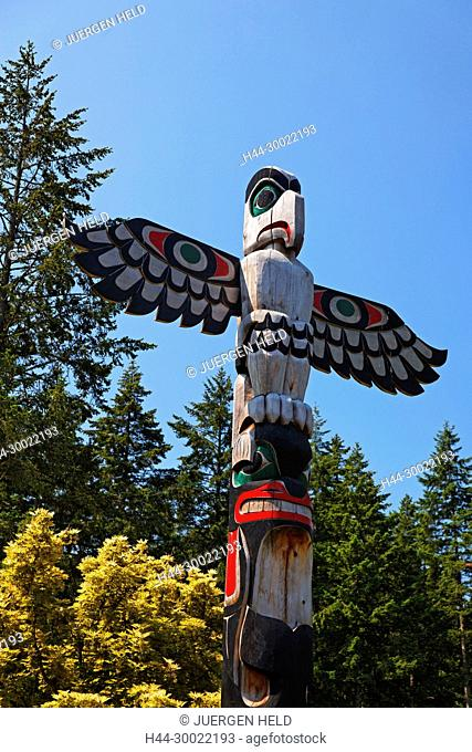 Totem pole in The Butchart Gardens near Victoria on Vancouver Island, Canada, North America