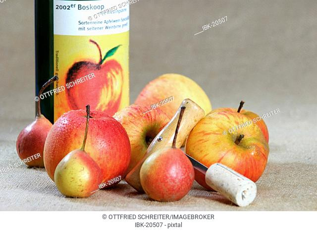 Cider bottle with apples (Goldparmäne), pears (Rieslingsbirne) and cokkscrew
